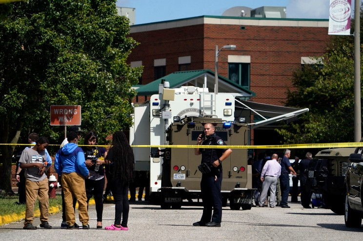 NEXT NEWS Facebook Twitter Flipboard Email Copy Gunman in custody after 2 shot at Heritage High School in Virginia